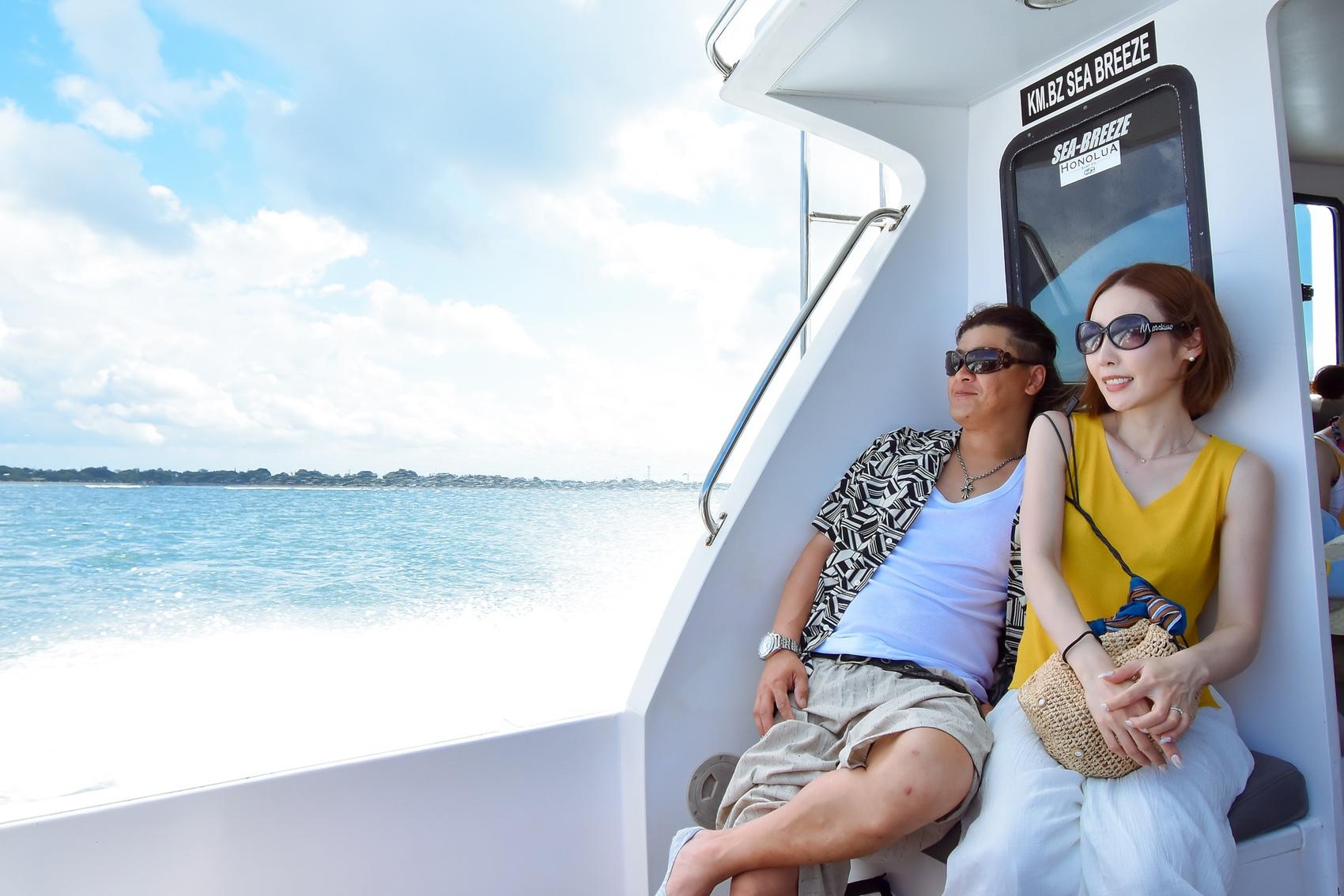 スピードボートでレンボンガン島へ